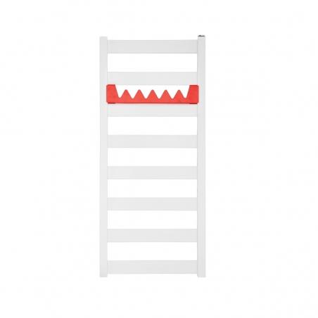 Grzejnik łazienkowy Terma Leda. Grzejnik wąski o szerokości 40cm i wysokości 91cm, kolor biały, z podłączeniem dolnym o rozstawie 370mm z czerwonym relingiem Happy Shark