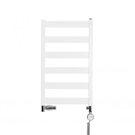 Grzejnik łazienkowy Terma Leda. Grzejnik wąski o szerokości 40cm i wysokości 67cm, kolor biały mat, z podłączeniem dolnym o rozstawie 370mm z chromowanym zestawem termostatycznym Integra w figurze osiowej lewej